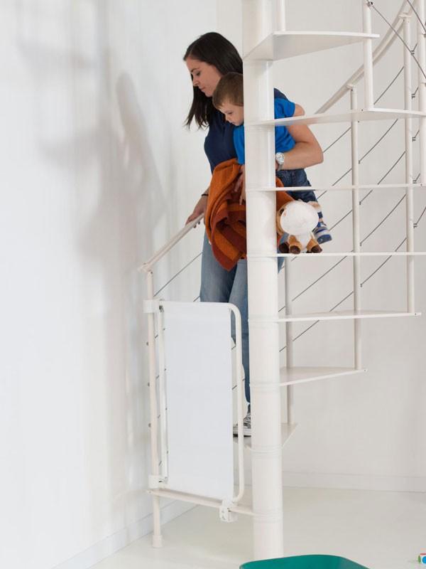 quelques conseils pour bien s curiser un escalier. Black Bedroom Furniture Sets. Home Design Ideas
