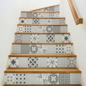 r nover son escalier go up. Black Bedroom Furniture Sets. Home Design Ideas